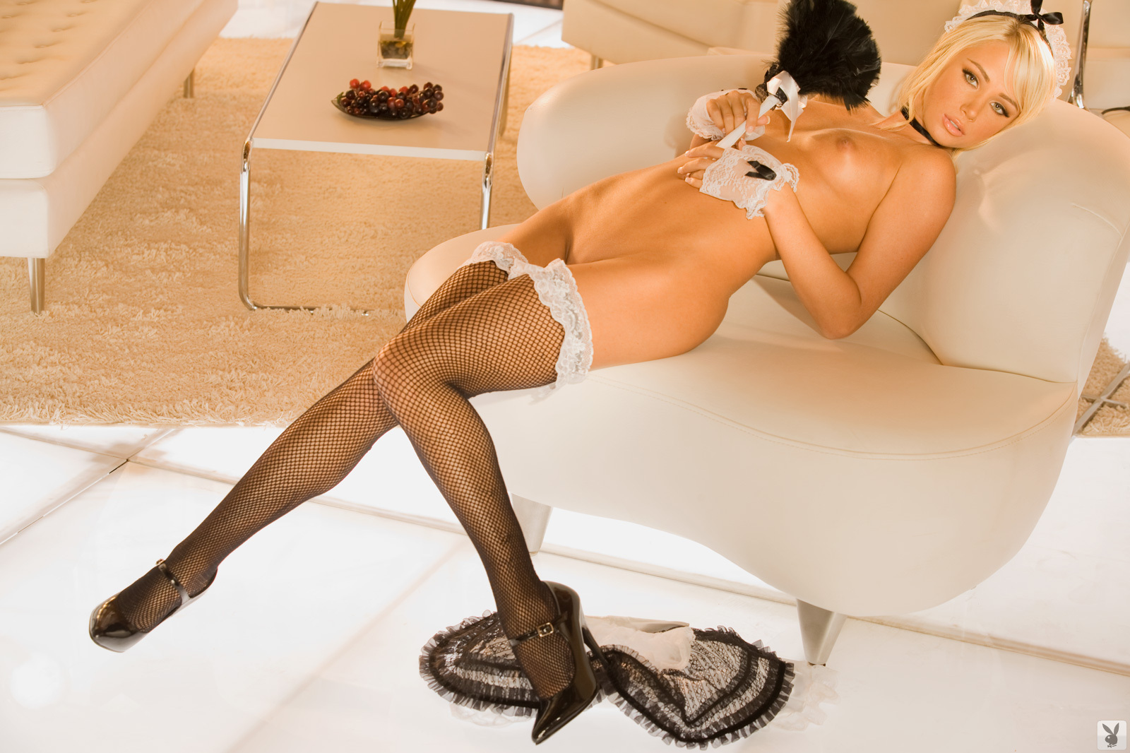 sexy-housemaid-naked-black-cock-pink-pussy